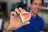 Стоматологическое протезирование зубов в Ижевске